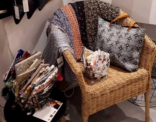 artisanat lyon bijoux créateurs bijouterie fantaisie maroquinerie pochettes sacs main