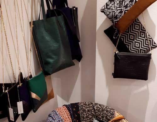 artisanat lyon bijoux créateurs bijouterie fantaisie maroquinerie sacs main pochettes