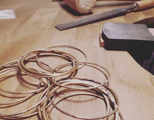 bijoux fantaisie créateurs lyon bijouterie alchimies boutique créatrice fantaisie boucles oreilles bague collier bracelet