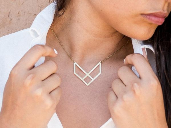concept-store-lyon-bijouterie-alchimies-boutique-createurs-bijoux-fantaisie-collier-talisman-eeko-jewelry