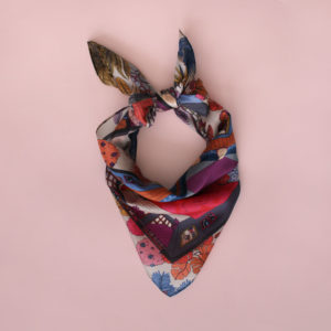 alchimies-foulard-mademoiselle-moutarde-rose-nouer-carre-femme-lyon-soie