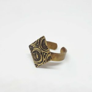 alchimies-lyon-click-and-collect-cadeaux-noel-artisanat-createurs-boutique-bague-laiton-speaking-hands-graves