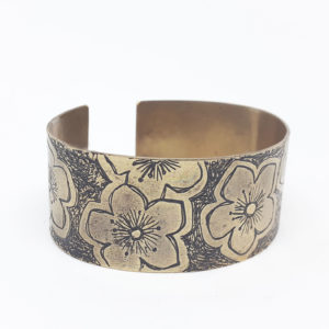 alchimies-lyon-click-and-collect-cadeaux-noel-artisanat-createurs-boutique-bracelet-laiton-speaking-hands-graves